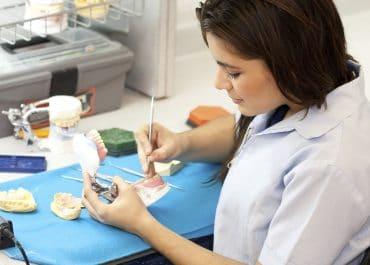 Entretien d'embauche prothésiste dentaire - Questions d'entretien