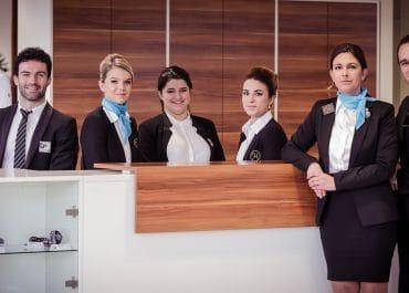 Hôtesse d'accueil : les principales qualités à avoir