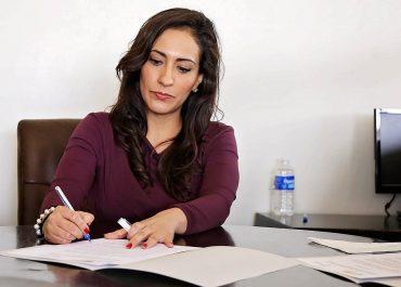 Mettre en avant ses expériences d'hôtesse d'accueil sur un CV