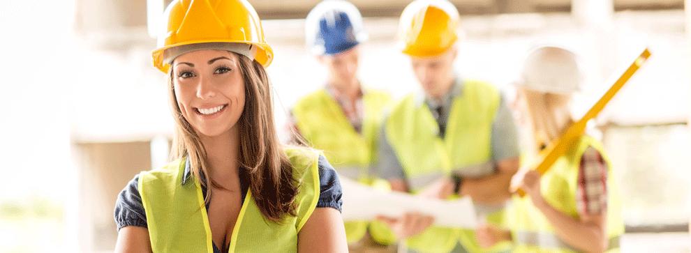 Réunion de conducteurs de travaux sur un site de construction