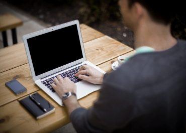 Trouver un emploi grâce à Facebook
